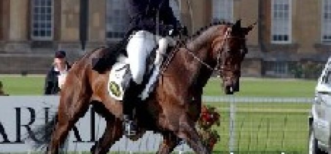 Ruth Friend vence na Dressage em Blenheim