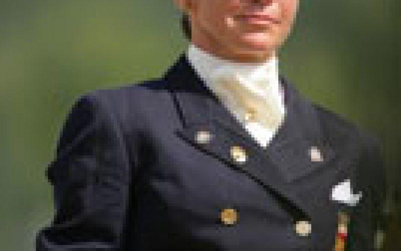 Beatriz Ferrer Salat ministra Clínica na Grã Bretanha