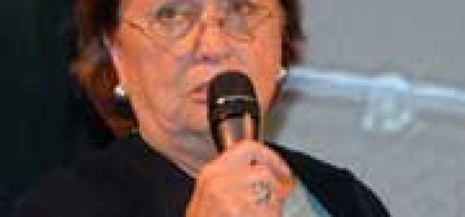 Mariette Withages demite-se do Comité de Dressage da FEI