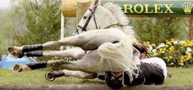 Rider Oliver Townend falls at Rolex Kentucky