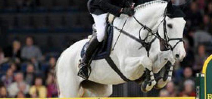Nagel and Corradina claim victory in Stuttgart