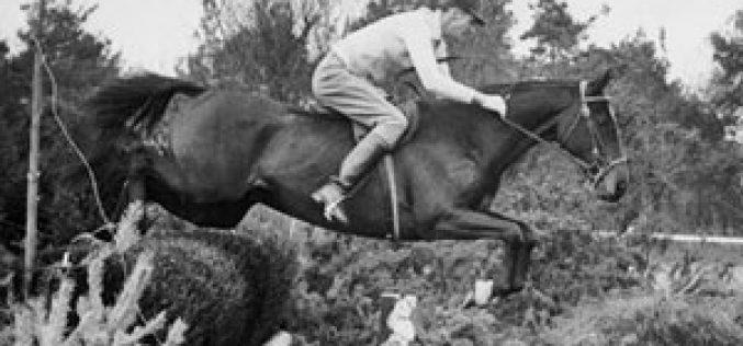 Faleceu Bill Roycroft aos 96 anos