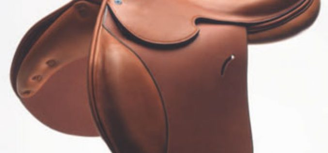 Hermès launches its new «Cavale» saddle