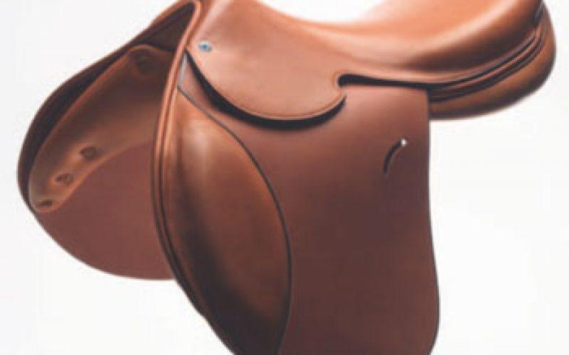 Hermès launches its new «Cavale» saddle