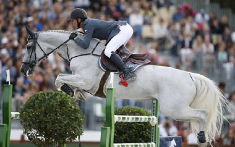 Staut shoots to LGCT Ranking No1 with spectacular Paris Grand Prix win