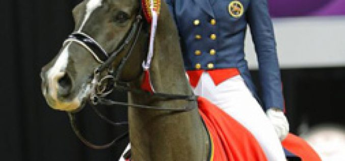 Las Vegas – Reigning Champions Charlotte Dujardin and Valegro Win FEI Grand Prix at 2015 FEI World Cup