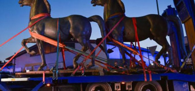 Encontrados os 2 cavalos de bronze encomendados por Hitler