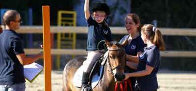 Equitação Terapêutica brilha em campeonato