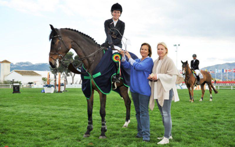 Spring Met III: Vitória da jovem Stefanie Van Den Brink no Grande Prémio de Oliva