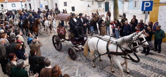 16.ª Edição da Romaria a Cavalo: três centenas de romeiros partiram da Moita (VÍDEO)