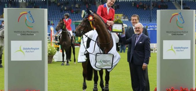 CHIO Aachen: Eric Lamaze wins first qualifier
