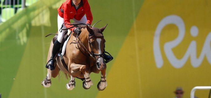 Rio 2016: Janika Sprunger fica fora da final de Saltos de Obstáculos