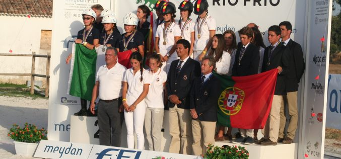 Raides: Jovens cavaleiros portugueses conquistam bronze no Campeonato da Europa 2016
