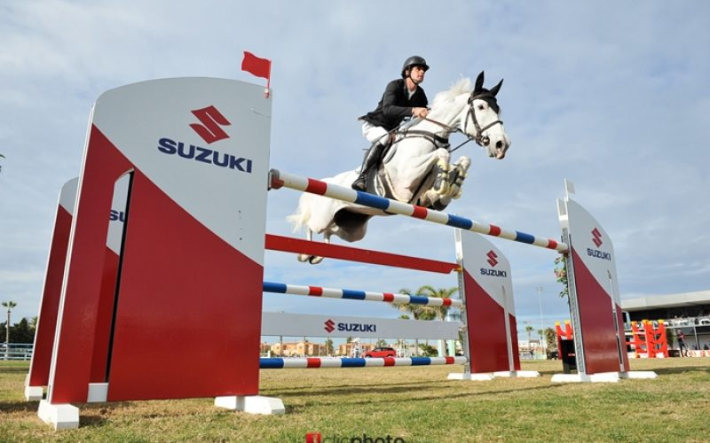 David Simpson claims the CSI2* Grande Prix Autumn Met