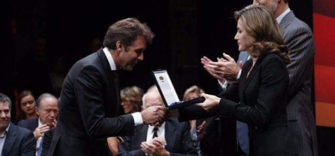 Pablo Hermoso de Mendoza recebe medalha de Belas Artes