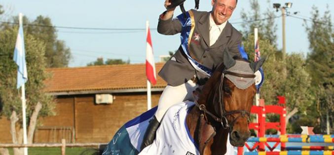 """CSIYH2* Vilamoura: """"Landiamo S"""" ganha a final para cavalos de 6 anos"""