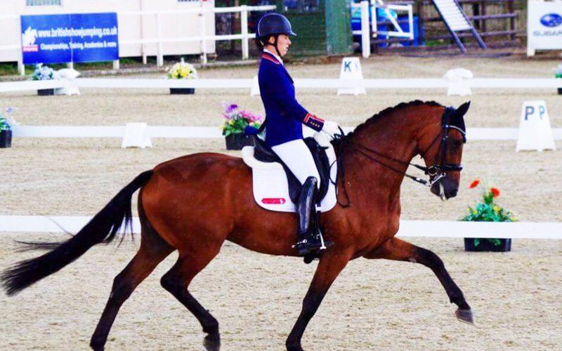 Charlotte Dujardin brilha com cavalos novos