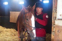 Michael Owen (a treinar para Ascot) cai do cavalo… por duas vezes (VÍDEO)