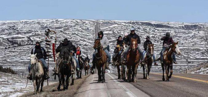 640km a cavalo para lembrar um acordo de paz
