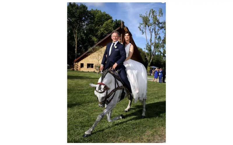 Mario Luraschi: O duplo e acrobata equestre casou-se com sua namorada 34 anos mais nova !