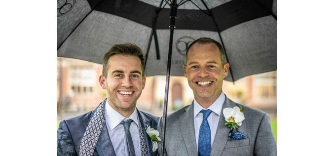 Spencer Wilton casou com Darren Hicks