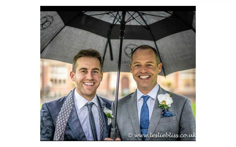 Spencer Wilton casou com Darren Hicks