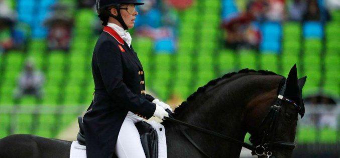 Fiona Bigwood testa positivo para Covid-19