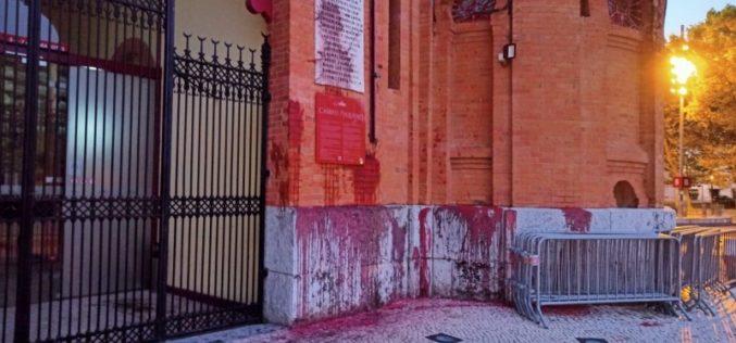 """Campo Pequeno vandalizado em dia da """"Corrida do Ano"""""""
